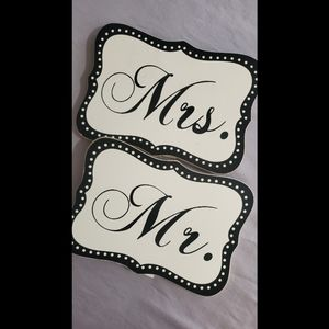 Hobby Lobby Mr. & Mrs. Signs Wedding Table Decor